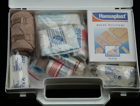 boat-emergency-first-aid-kit