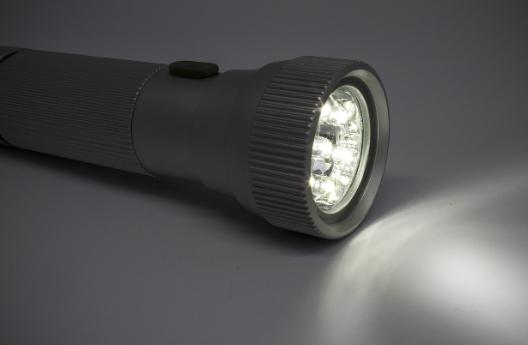 boat-emergency-flashlight